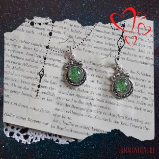 Gothic Ohrringe mit grünen getrockneten Blüten